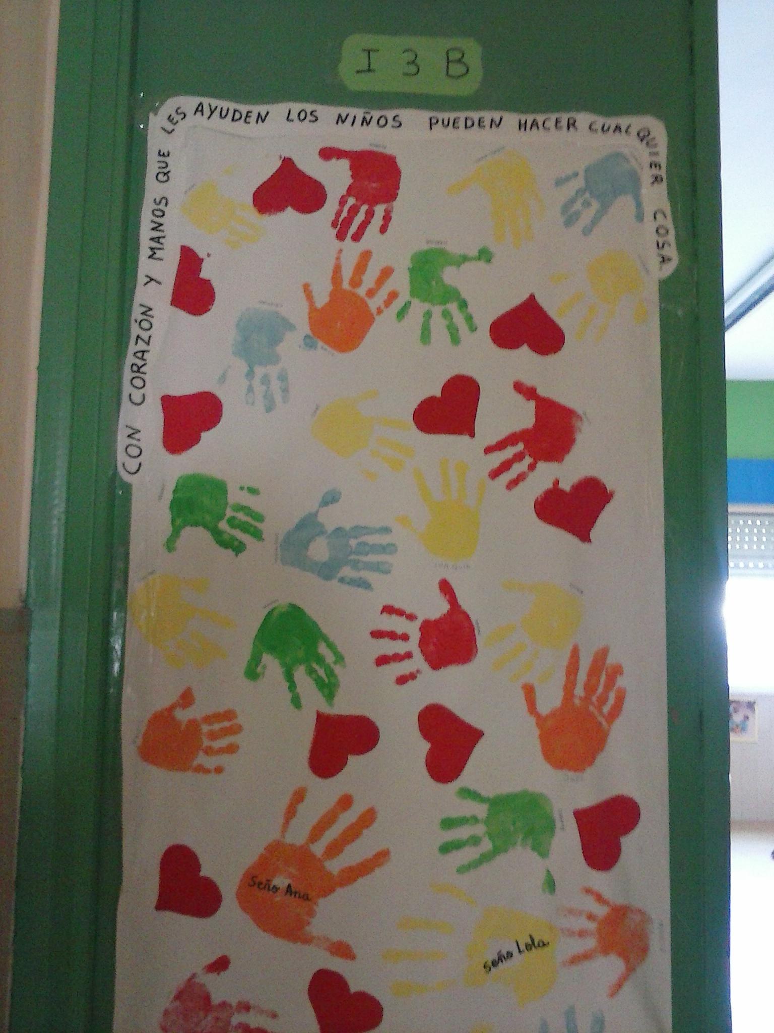 Decoracion de pasillos rinc n de infantil for Puertas decoradas del 14 de febrero